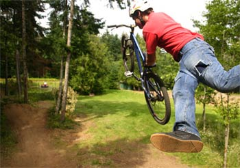 roam � mountainbike film by the collective kinkse
